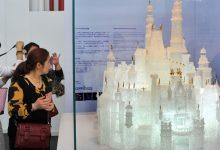Photo of Dos niños rompen la escultura de cristal más grande del mundo